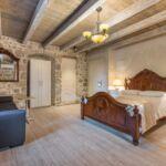 Kertre néző emeleti franciaágyas szoba (pótágyazható)