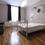Zuhanyzós Deluxe kétágyas szoba (pótágyazható)