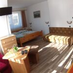 Apartment für 3 Personen mit Dusche und Balkon (Zusatzbett möglich)