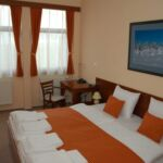 Twin Room with Kitchenette (extra bed available)