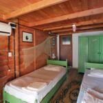 Camera twin twin cu grup sanitar