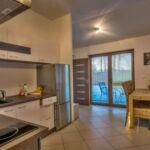 Pokój 6-osobowy z prysznicem z własną kuchnią (możliwa dostawka)