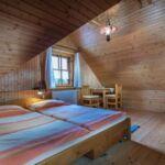 Pokój 2-osobowy z prysznicem ze wspólnym aneksem kuchennym (możliwa dostawka)