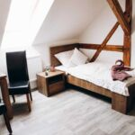 Zuhanyzós egyágyas szoba