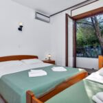 Tourist Apartman pro 5 os. se 2 ložnicemi s výhledem na moře