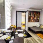 Apartament deluxe la parter cu 4 camere pentru 6 pers. (se poate solicita pat suplimentar)