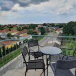Panorámás városra néző 4 fős apartman 1 hálótérrel