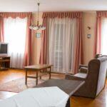 Apartament standard Plus cu aer conditionat pentru 7 pers. (se inchirieaza doar integral) (se poate solicita pat suplimentar)