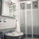 Pokój 4-osobowy z łazienką z telewizorem LCD/plazmą