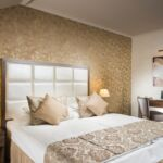 Camera twin la etaj cu aer conditionat (se poate solicita pat suplimentar)