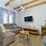 Apartament cu aer conditionat cu terasa cu 2 camere pentru 5 pers. A-18098-c