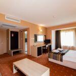 Rezydencja pokój 4-osobowy Junior z balkonem z 2 pomieszczeniami sypialnianymi