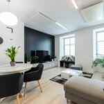 Apartament deluxe cu vedere spre oras cu 2 camere pentru 4 pers.