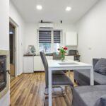 Apartament design la parter cu 1 camera pentru 4 pers.