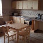 Apartament 7-osobowy na parterze z aneksem kuchennym z 3 pomieszczeniami sypialnianymi (możliwa dostawka)
