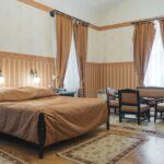 Rezydencja pokój 2-osobowy na parterze z widokiem na las z 1 pomieszczeniem sypialnianym