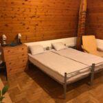 Camera twin cu baie comuna cu aer conditionat