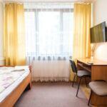 Camera single la etaj cu grup sanitar