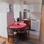 Apartman s balkónem pro 3 os. se 2 ložnicemi na poschodí
