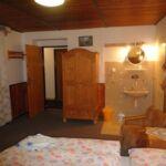 Apartament 6-osobowy z prysznicem z aneksem kuchennym (możliwa dostawka)