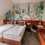 Balkonos Standard franciaágyas szoba (pótágyazható)