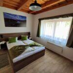 Deluxe Apartman pro 4 os. se 2 ložnicemi s výhledem do zahrady (s možností přistýlky)