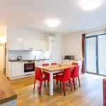 Saját konyhával erkélyes 6 fős apartman