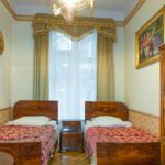 Comfort Upstairs 4-Room Apartment for 15 Persons