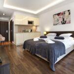 Apartament standard la etaj cu 1 camera pentru 2 pers.