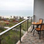 Apartament lux cu balcon cu 4 camere pentru 4 pers.
