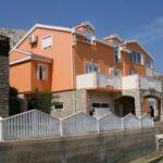 Apartament cu aer conditionat cu vedere spre mare cu 3 camere pentru 6 pers. A-6412-d