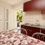 Apartmán s klimatizáciou s manželskou posteľou s 1 spálňou na prízemí (s možnosťou prístelky)