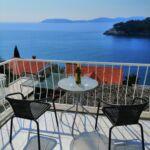 Apartman s balkónem pro 4 os. se 2 ložnicemi s výhledem na moře