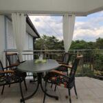 Apartman s balkónem s klimatizací pro 4 os. se 2 ložnicemi (s možností přistýlky)