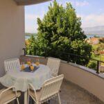 Apartament cu balcon cu vedere spre mare cu 2 camere pentru 4 pers.