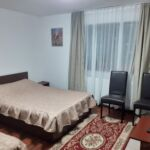 Camera dubla la etaj (se poate solicita pat suplimentar)