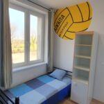 Apartament tourist la etaj cu 2 camere pentru 4 pers.