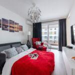 Apartament 6-osobowy na piętrze Standard Plus z 3 pomieszczeniami sypialnianymi
