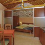 Apartament 2-osobowy z klimatyzacją na parterze z 1 pomieszczeniem sypialnianym