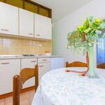 Apartman s klimatizací pro 5 os. se 2 ložnicemi s výhledem na hory