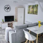 Apartament exclusive la parter cu 1 camera pentru 2 pers. (se poate solicita pat suplimentar)