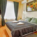 Pokoj s klimatizací s manželskou postelí v přízemí