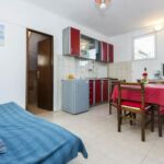 Apartman s balkónem s klimatizací pro 5 os. se 3 ložnicemi