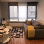 Apartament la etaj cu vedere spre oras cu 2 camere pentru 4 pers.