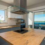 Apartament cu aer conditionat cu vedere spre mare cu 4 camere pentru 8 pers.