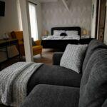 Camera tripla la mansarda cu panorama