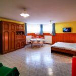 Apartament classic cu chicineta proprie cu 2 camere pentru 3 pers. (se poate solicita pat suplimentar)