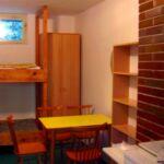 Apartament cu cadita de dus cu bucatarie proprie pentru 24 pers.