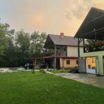 Casa de vacanta cu panorama cu vedere spre lac pentru 11 pers. (se inchirieaza doar integral)