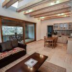 Folyóra néző panorámás 4 fős apartman 2 hálótérrel (pótágyazható)